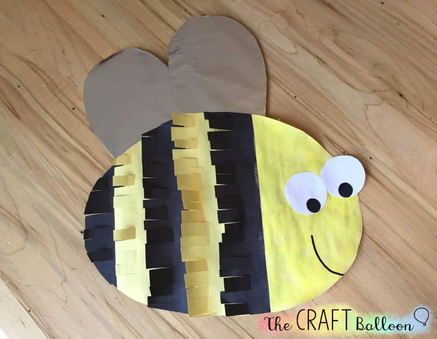 Finished paper bee craft