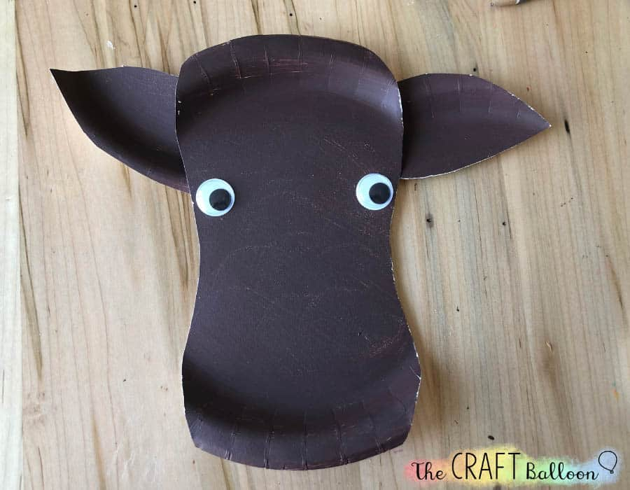 paper plate moose face with eyes